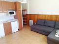 Salón-cocina con sofá-cama chaise longue